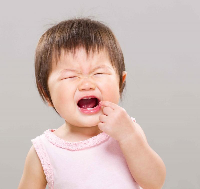 宝宝扎牙有什么症状宝宝长牙期的注意事项